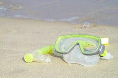 κολυμπά με αναπνευτήρα Στοκ φωτογραφία με δικαίωμα ελεύθερης χρήσης