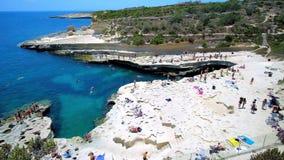 Κολυμπήστε στη λίμνη του ST Peter ` s, Marsaxlokk, Μάλτα φιλμ μικρού μήκους