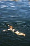 κολυμπώντας γυναίκα στοκ εικόνες με δικαίωμα ελεύθερης χρήσης