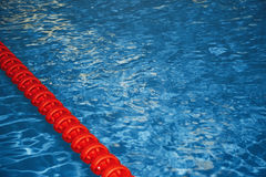 κολυμπώντας ύδωρ ομπρελών λιμνών Στοκ Εικόνες
