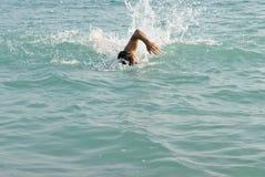κολύμβηση ατόμων Στοκ φωτογραφίες με δικαίωμα ελεύθερης χρήσης