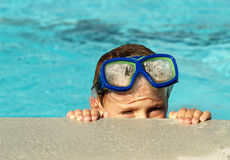 κολύμβηση λιμνών αγοριών Στοκ εικόνα με δικαίωμα ελεύθερης χρήσης