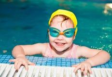 κολύμβηση λιμνών παιδιών Στοκ εικόνες με δικαίωμα ελεύθερης χρήσης