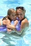 κολύμβηση λιμνών παιδιών Στοκ φωτογραφία με δικαίωμα ελεύθερης χρήσης