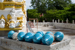 Κομμάτια διακοσμήσεων όπως ένα μπλε σκάκι Στοκ Εικόνες