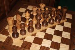 κομμάτια σκακιού ξύλινα Στοκ Εικόνες