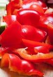 Κομμάτια της κινηματογράφησης σε πρώτο πλάνο κόκκινων πιπεριών Εκλεκτική εστίαση Στοκ εικόνα με δικαίωμα ελεύθερης χρήσης