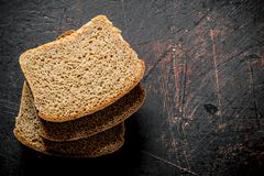 Κομμάτια του ευώδους ψωμιού στοκ εικόνες με δικαίωμα ελεύθερης χρήσης