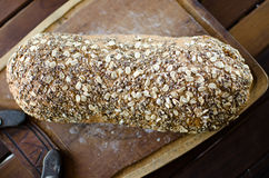 Κομμάτια του σπιτικού wholemeal ψωμιού Στοκ φωτογραφία με δικαίωμα ελεύθερης χρήσης