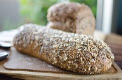 Κομμάτια του σπιτικού wholemeal ψωμιού Στοκ εικόνες με δικαίωμα ελεύθερης χρήσης