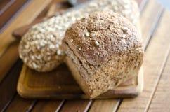 Κομμάτια του σπιτικού wholemeal ψωμιού Στοκ Φωτογραφία