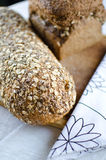 Κομμάτια του σπιτικού wholemeal ψωμιού Στοκ Εικόνα