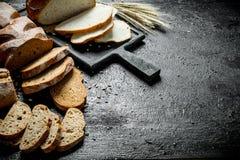 Κομμάτια των διαφορετικών τύπων ψωμιών στοκ εικόνες