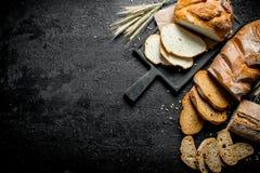 Κομμάτια των διαφορετικών τύπων ψωμιών στοκ φωτογραφία με δικαίωμα ελεύθερης χρήσης