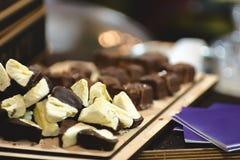 Κομμάτια marshmallows στη σοκολάτα Στοκ Εικόνα