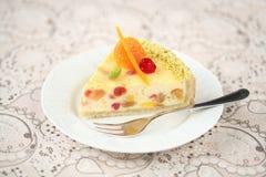 Κομμάτι άσπρο Cheesecake σοκολάτας στοκ φωτογραφίες