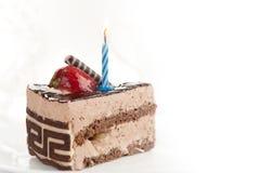 κομμάτι κέικ γενεθλίων στοκ εικόνα