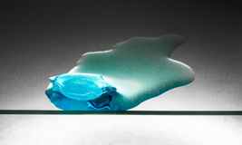 Κομμάτι τήξης του μπλε πάγου Στοκ φωτογραφία με δικαίωμα ελεύθερης χρήσης