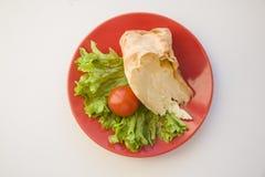 Κομμάτι της πίτας με το άσπρο υπόβαθρο tomatoon Στοκ Φωτογραφία