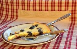 Κομμάτι των clafoutis κέικ Στοκ Εικόνες