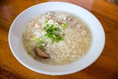 Κομματιασμένη σούπα ρυζιού χοιρινού κρέατος Στοκ Εικόνα