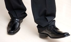 κομψά αρσενικά παπούτσια Στοκ εικόνες με δικαίωμα ελεύθερης χρήσης
