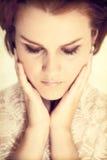 κομψές νεολαίες γυναικών γοητείας Στοκ φωτογραφία με δικαίωμα ελεύθερης χρήσης