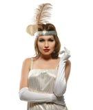 Κομψή γυναίκα στο ντεμοντέ άσπρο φόρεμα αναδρομικό ύφος Στοκ Εικόνες
