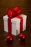 κομψό δώρο Χριστουγέννων &kappa Στοκ φωτογραφία με δικαίωμα ελεύθερης χρήσης