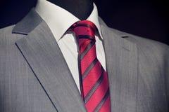 κομψό μοντέρνο κοστούμι στοκ εικόνες