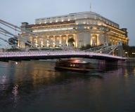 κομψό ξενοδοχείο γεφυρώ στοκ φωτογραφία