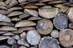 Κομψό ξύλο στο υπόβαθρο Σωρός καυσόξυλου Στοκ Εικόνες