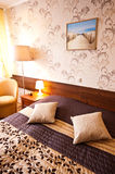 Κομψό δωμάτιο ξενοδοχείου Στοκ Φωτογραφίες