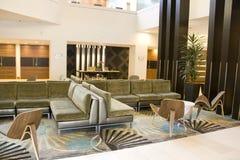 Κομψό λόμπι ξενοδοχείων Στοκ Εικόνες