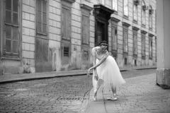 Κομψό ballerina στην οδό Στοκ Εικόνες