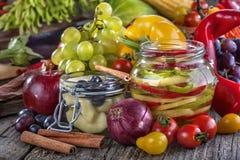 Κονσερβοποιημένα πιπέρι και αχλάδι Στοκ Εικόνες