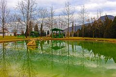 Κοντά στο μοναστήρι σύνθετο Rupite στο μετάλλευμα αναπηδά ένα φυσικό τοπίο από τη Βουλγαρία στοκ εικόνες με δικαίωμα ελεύθερης χρήσης