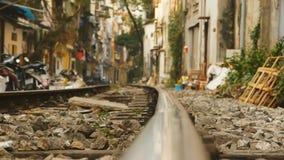 Κοντινοί σιδηρόδρομοι κατοικήσιμης περιοχής στο Ανόι, Βιετνάμ 2016 Στοκ εικόνες με δικαίωμα ελεύθερης χρήσης
