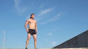 Κοντόχοντρη άσκηση ατόμων ικανότητας υπαίθρια κίνηση αργή απόθεμα βίντεο