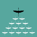 Κοπάδι του πελαργού που πετά στον ουρανό, απεικόνιση αποθεμάτων