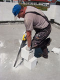 κοπή τούβλου Στοκ φωτογραφία με δικαίωμα ελεύθερης χρήσης