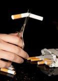 κοπή τσιγάρων Στοκ Φωτογραφία
