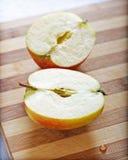 κοπή χαρτονιών μήλων στοκ φωτογραφίες με δικαίωμα ελεύθερης χρήσης
