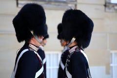 ΚΟΠΕΓΧΑΓΗ, ΔΑΝΙΑ - 15 ΑΥΓΟΎΣΤΟΥ 2016: Δανικές βασιλικές φρουρές ζωής Στοκ φωτογραφίες με δικαίωμα ελεύθερης χρήσης