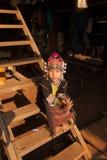 Κορίτσια από την εθνική ομάδα Akha στα παραδοσιακά ενδύματα Στοκ Φωτογραφίες