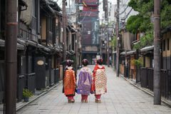 Κορίτσια γκείσων στην Ιαπωνία Στοκ Φωτογραφία