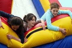 κορίτσια διασκέδασης που έχουν Στοκ Εικόνα