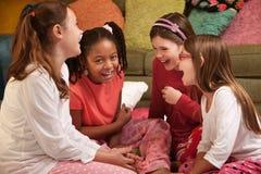 κορίτσια ευτυχή λίγα Στοκ Φωτογραφίες