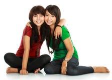 κορίτσια εφηβικά δύο καλύ& Στοκ Εικόνα
