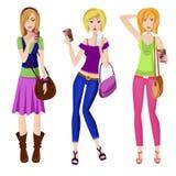 Κορίτσια μόδας με τα μεγάλα φλυτζάνια του coffe Στοκ εικόνα με δικαίωμα ελεύθερης χρήσης